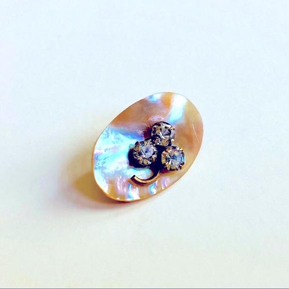 Vintage mother of pearl brooch
